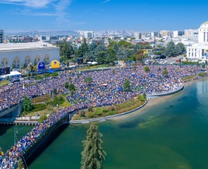 """Warriors Parade Rally Crowd Lake Merritt"""
